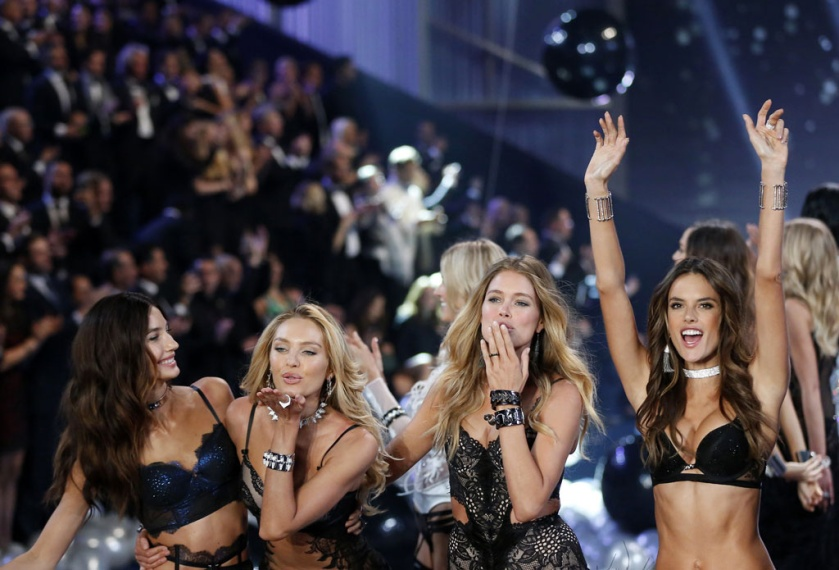 les_filles_du_victoria_s_secret_fashion_show_2015_1_1732.jpeg_north_1024x_white